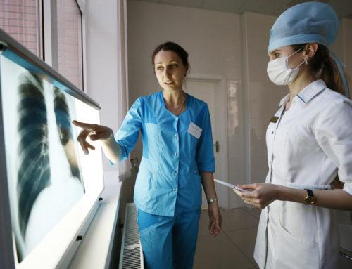 Как уберечь легкие от пневмонии: советы врачей